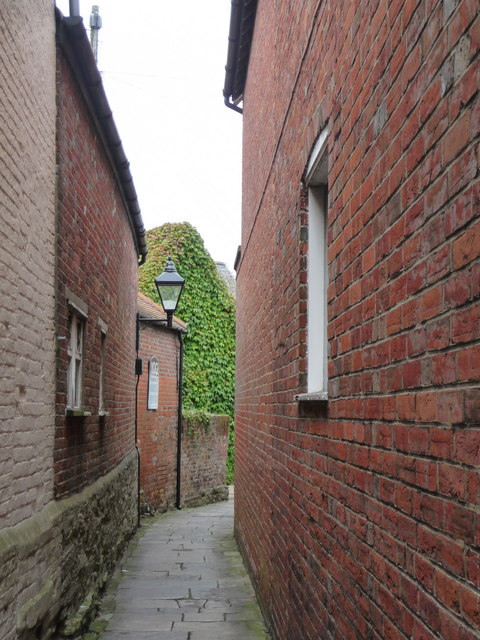 Christchurch: alley to Millhams Street