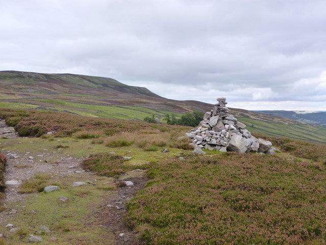 Cairn on Novel Houses Hill