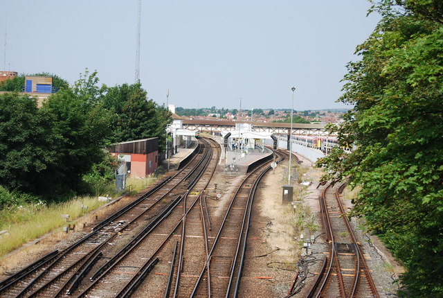 Looking to Hove Station
