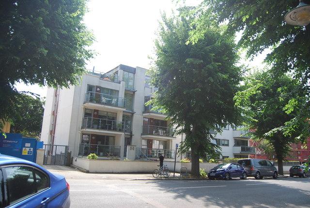 56, Palmeira Avenue