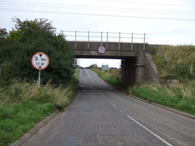 Railway bridge over the A6137