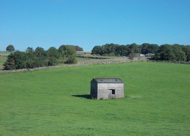 Old barn near Dowlow Limestone Works
