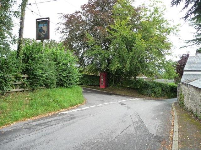 Road junction, Coed-y-paen