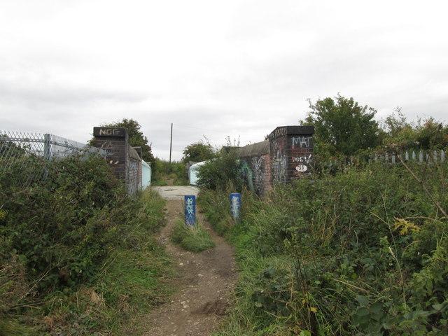 Bridleway bridge over the railway near Bullenshaw Villas
