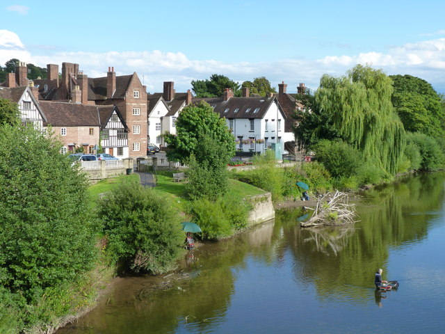 View of the riverbank from Bewdley Bridge