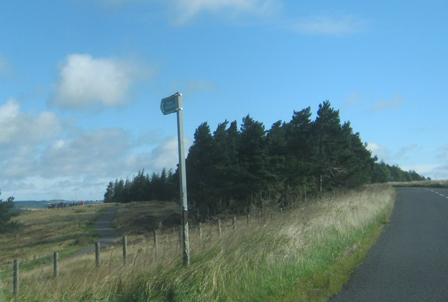 Footpath sign for access to Hedleyhope Fell from the B6301