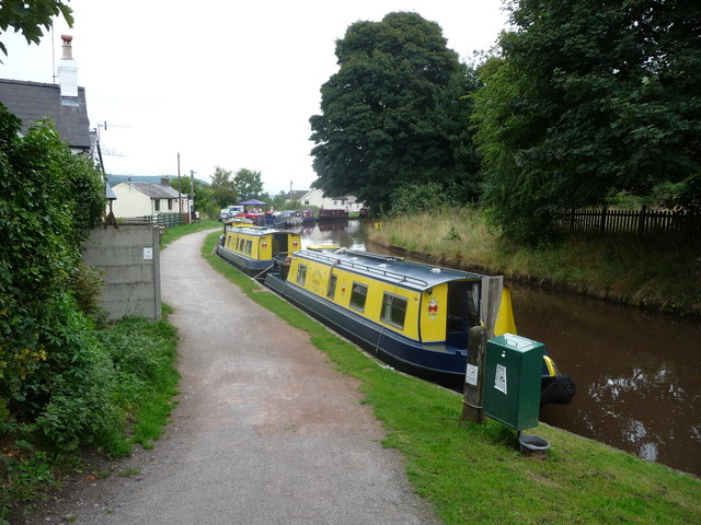 Canalside moorings at Gilwern