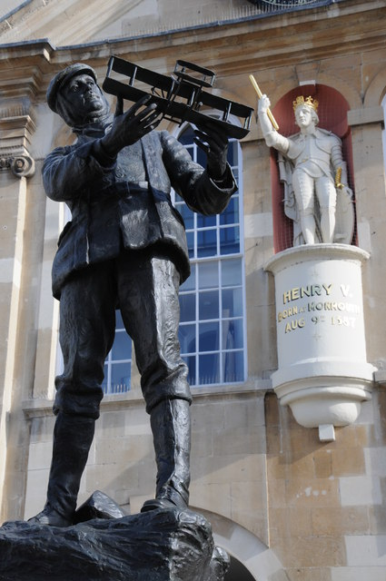 Statues of Charles Rolls and King Henry V
