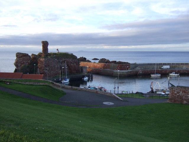 Castle and Victoria Harbour, Dunbar