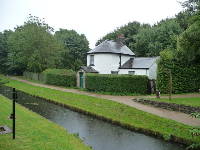 Canal toll house, Mon & Brec Canal