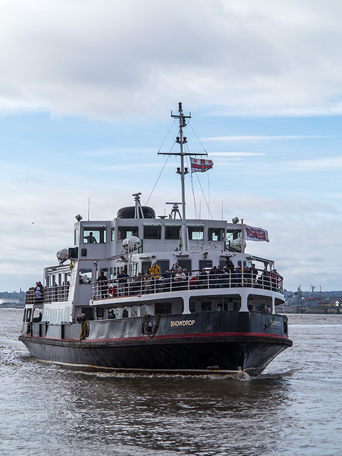 Mersey ferry Snowdrop approaching the Pier Head