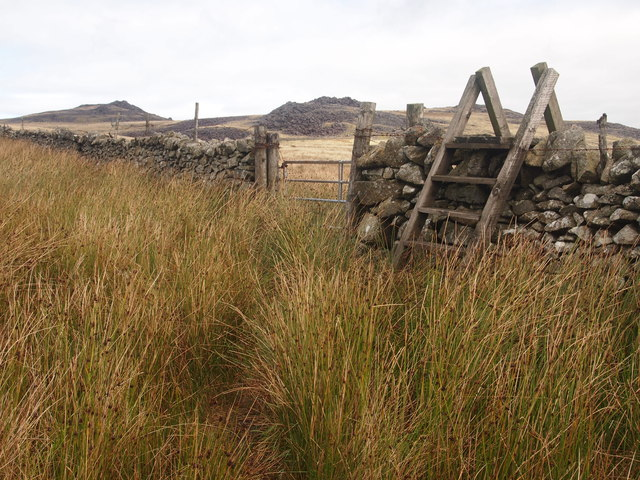 Style and Wall, South of Bwlch Mawr