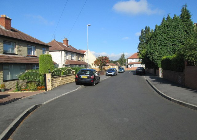 Easterly Crescent - looking towards Upland Road