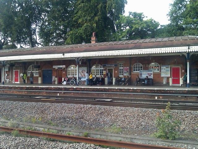 The London-bound platform at Farnborough (Main) station