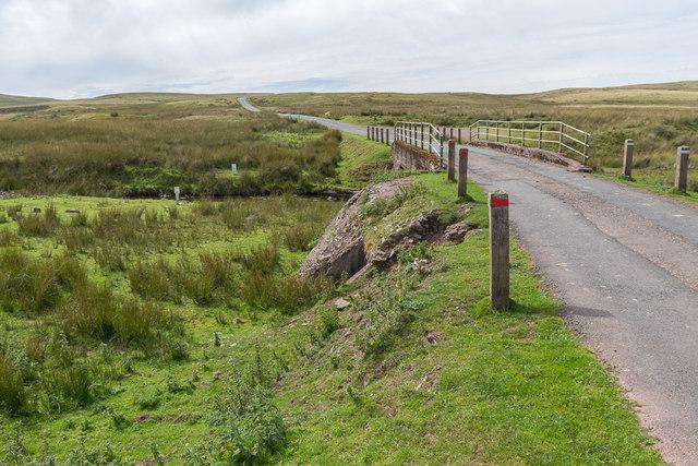 Road leading to Pont ar Wysg