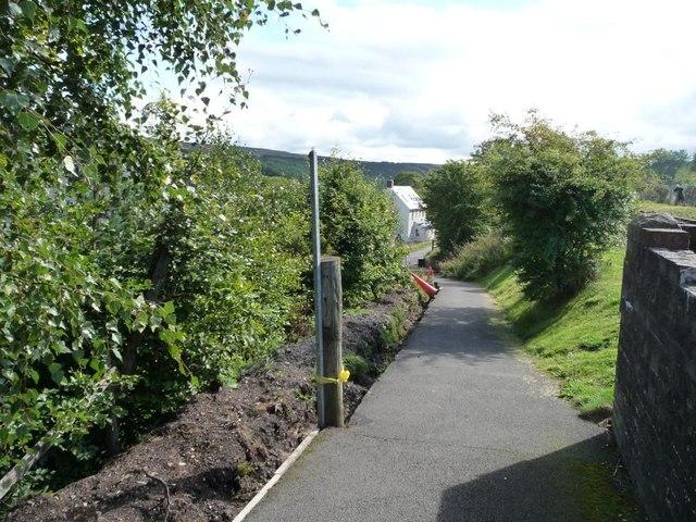 Path down to Varteg Road