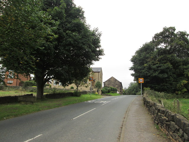 Arriving at West Bretton from the east