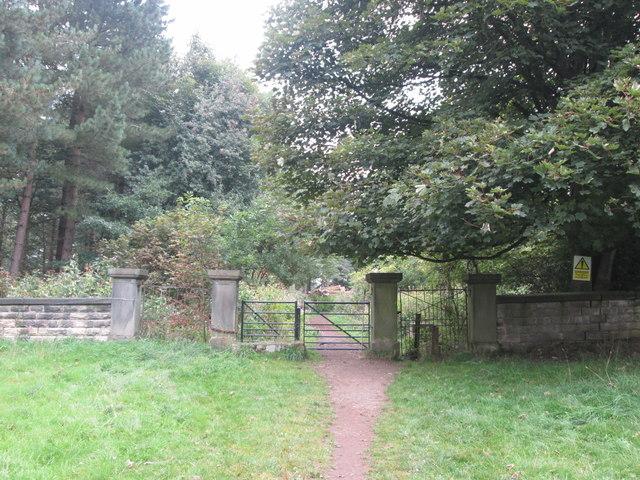 Park boundary at Bower Hill Plantation