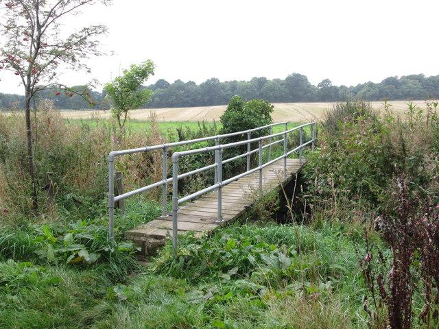 Footbridge over Bentley Brook