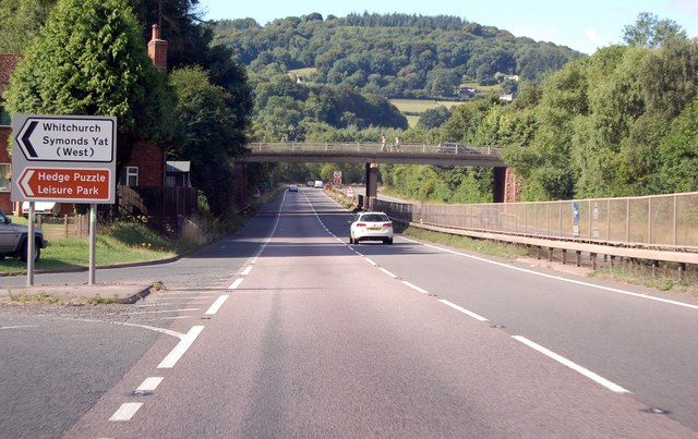 A40 exit to Symonds Yat and Whitchurch