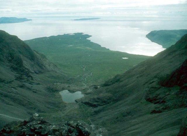 Looking down Coire Làgan