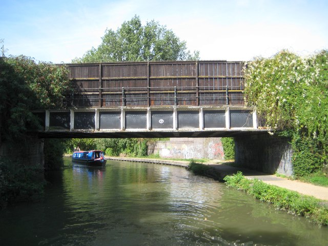 Grand Union Canal: Bridge Number 70
