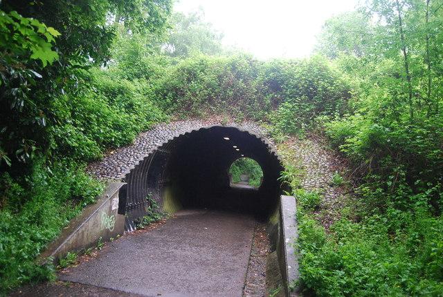 Tunnel, Worth Way
