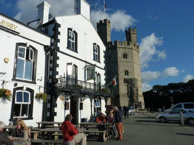 """The Anglesey"" pub by the castle walls, Caernarfon"