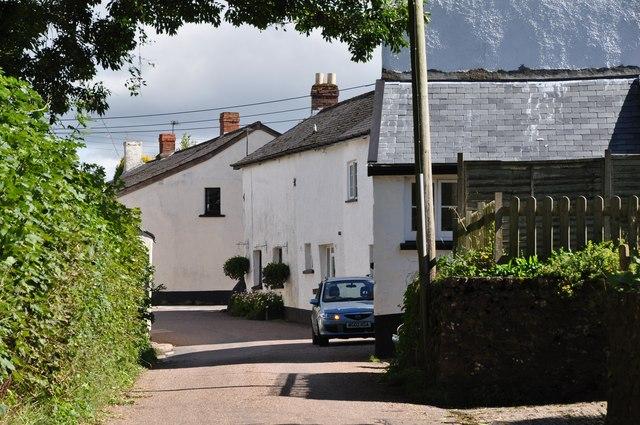 Cadeleigh : Village Road