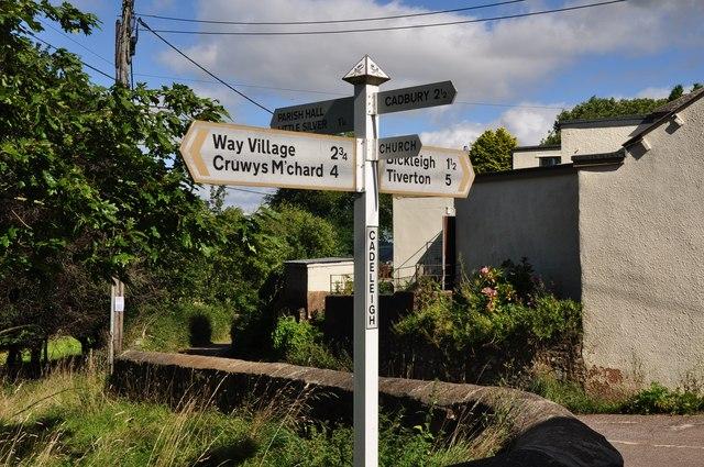 Cadeleigh : Signpost
