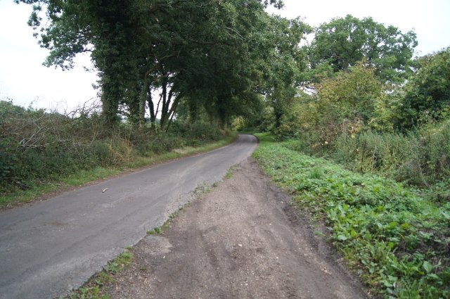 Harrow Way joins a country lane
