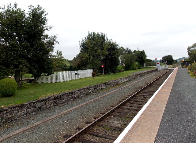 Dolau railway station