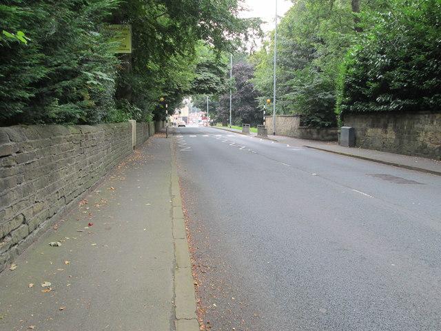 Wetherby Road - looking towards Oakwood Clock