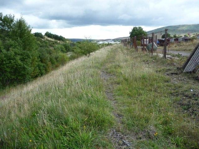 Path along the south-west bank of Afon Lwyd