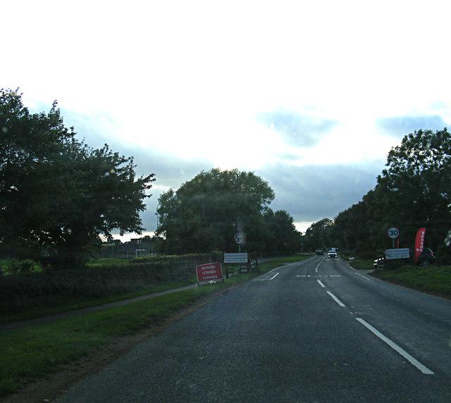 Entering Deanshanger on Stratford Road