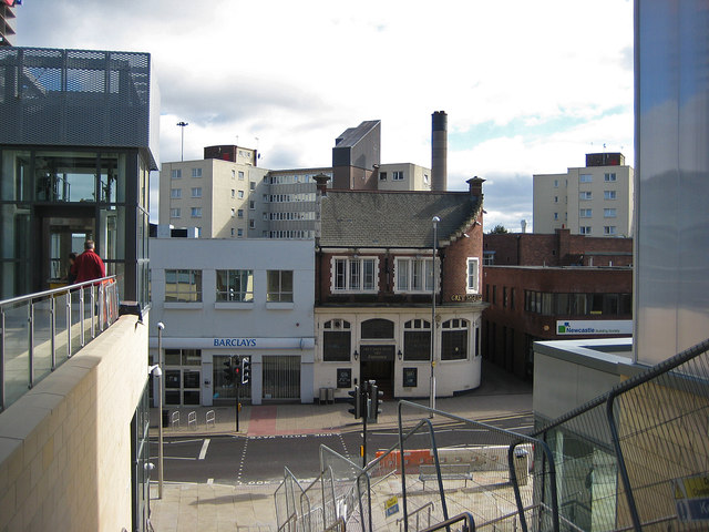 Grey Nags Head and bank building, High St