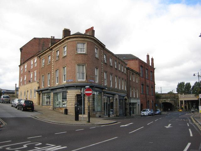 Half Moon Lane meets Wellington Street