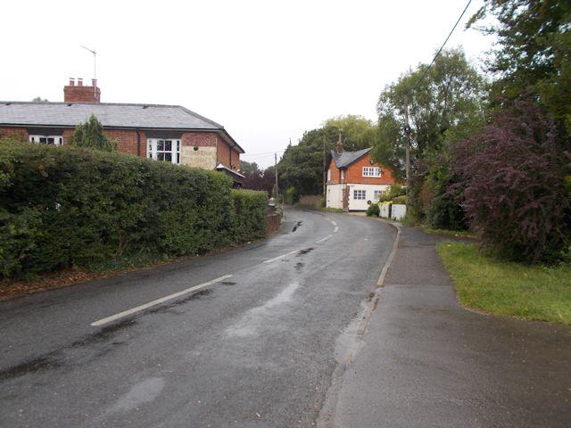 Station Road north of Middle Wallop crossroads