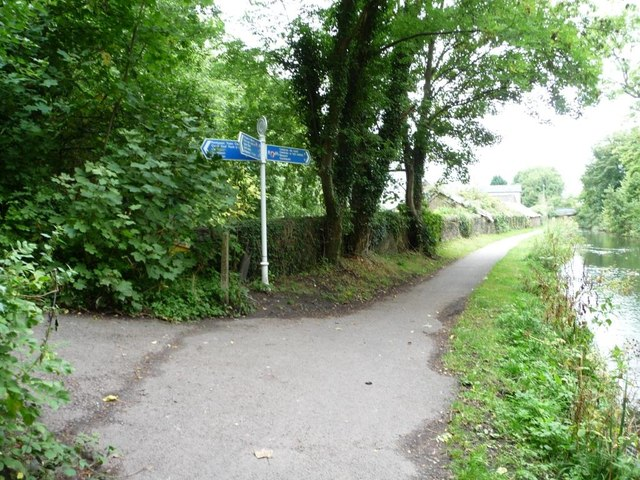 Cycleway signpost on the Mon & Brec canal towpath