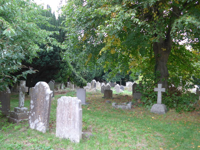 All Saints, Freshwater: churchyard (3)