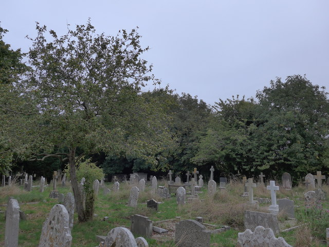 All Saints, Freshwater: churchyard (10)