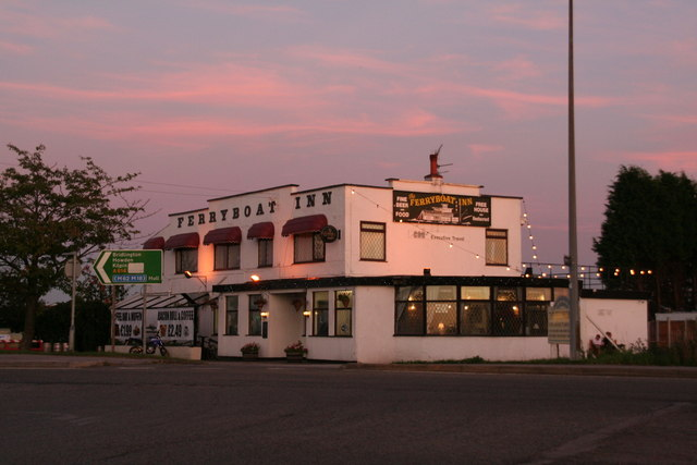 Ferryboat Inn, next to Boothferry Bridge