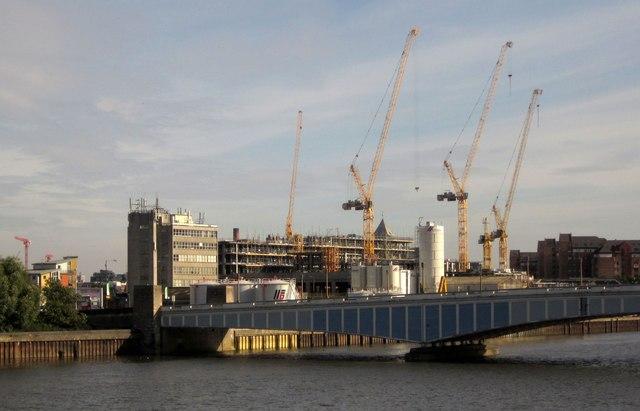 Cranes at Wandsworth Bridge