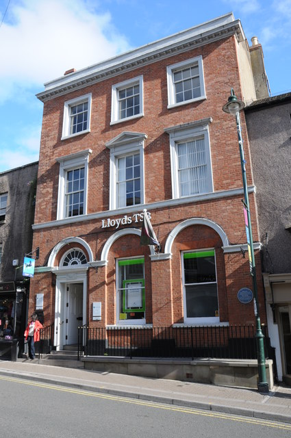 Lloyds Bank, Monmouth