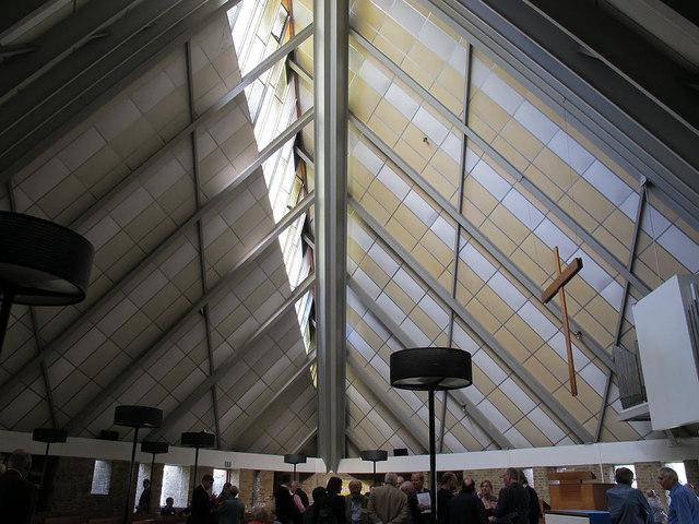 Holy Trinity, Twydall: interior