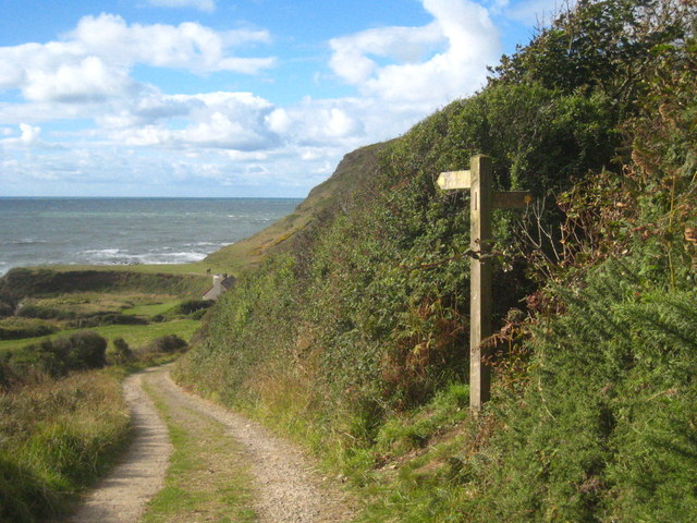 Public footpath signpost at Berry Cliff