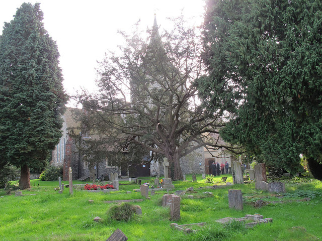 St Martin of Tours, Chelsfield: historic churchyard