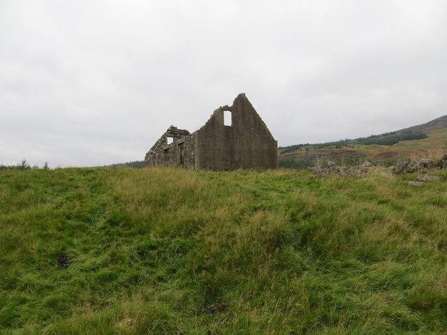 Ruined cottage in Gleann Chomraidh