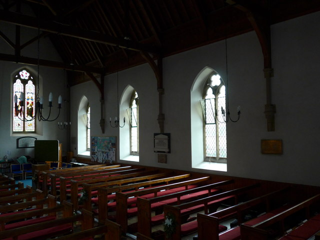 Inside Christ Church, Totland (i)
