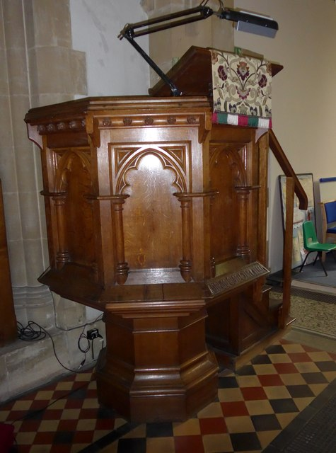 Christ Church, Totland: pulpit